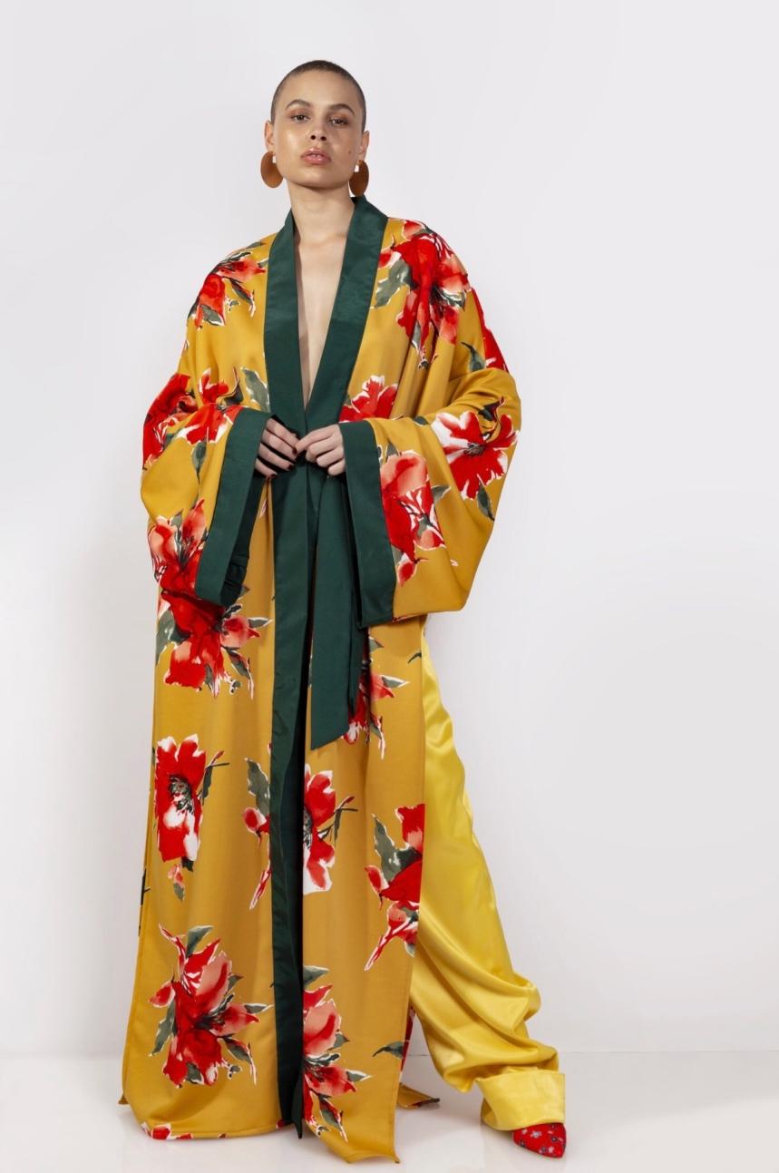 Amaryllis Oversized Robe